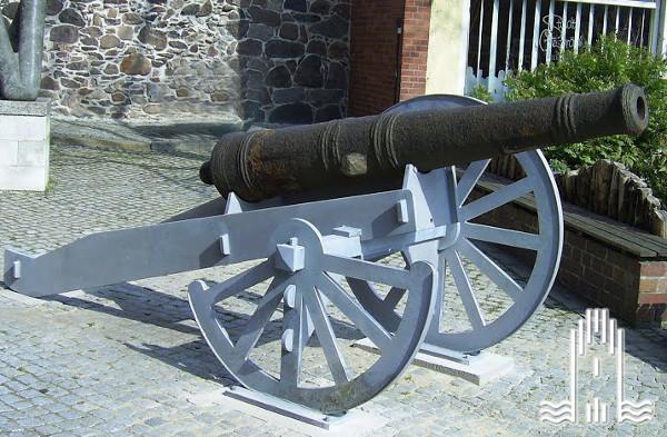 Kanone vor dem Museum im Steintor