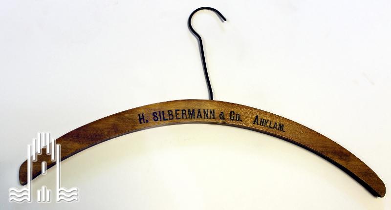 Kleiderbügel H. Silbermann