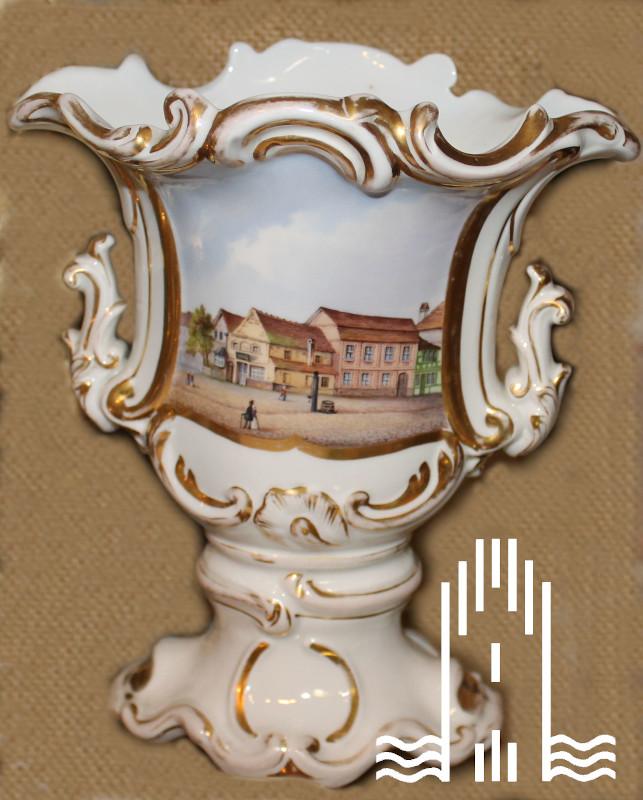 Vase als Kelch mit Abbildung Anklamer Mark